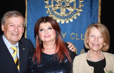 da sinistra Italo Giorgio Minguzzi, Ester Castagnoli e la sig.ra Lella consorte di Minguzzi.