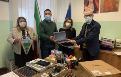 Rotary - consegna.cesena e valle savio.istituto professionale Versari.Macrelli